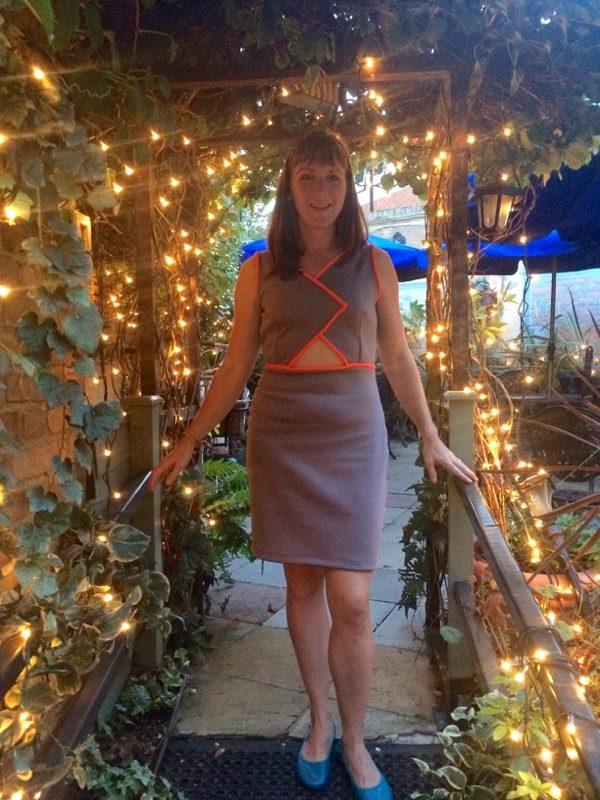 Triple Triangle dress - at Quecumbar