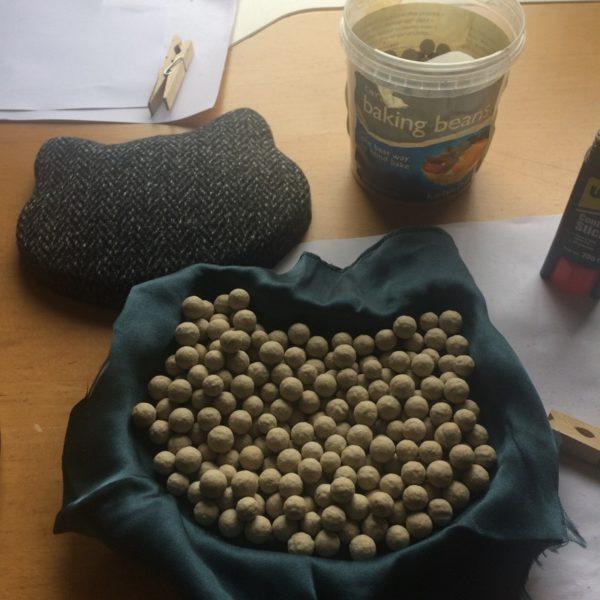 kitty clutch - baking beans