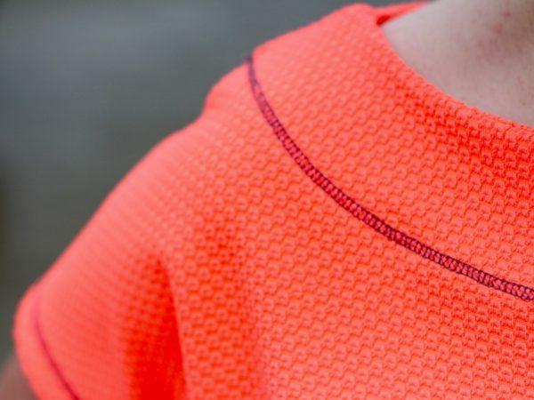 neon crop tee - shoulder detail