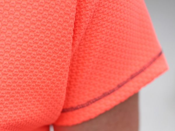 neon crop tee - sleeve detail