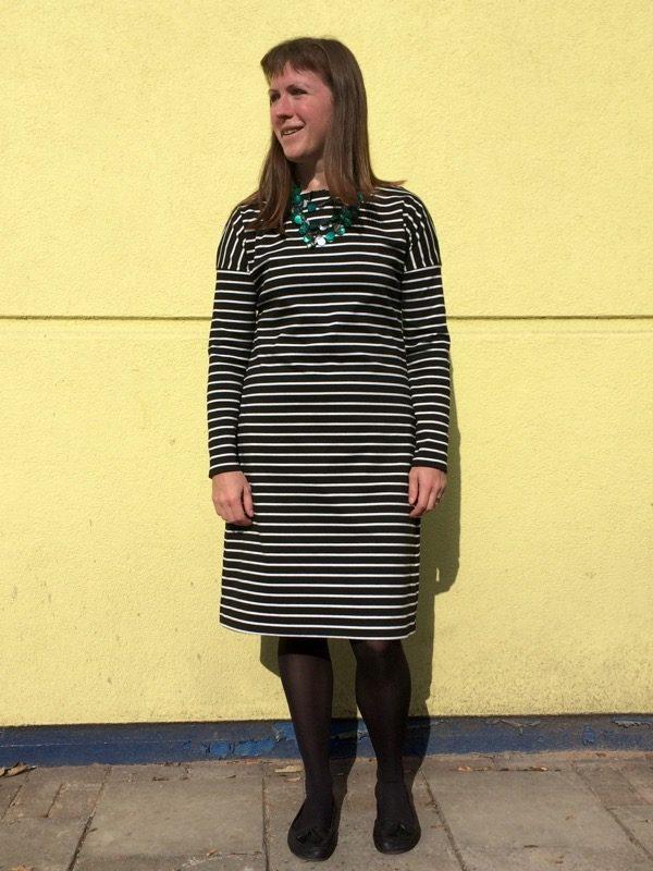 Breton dress - arms down