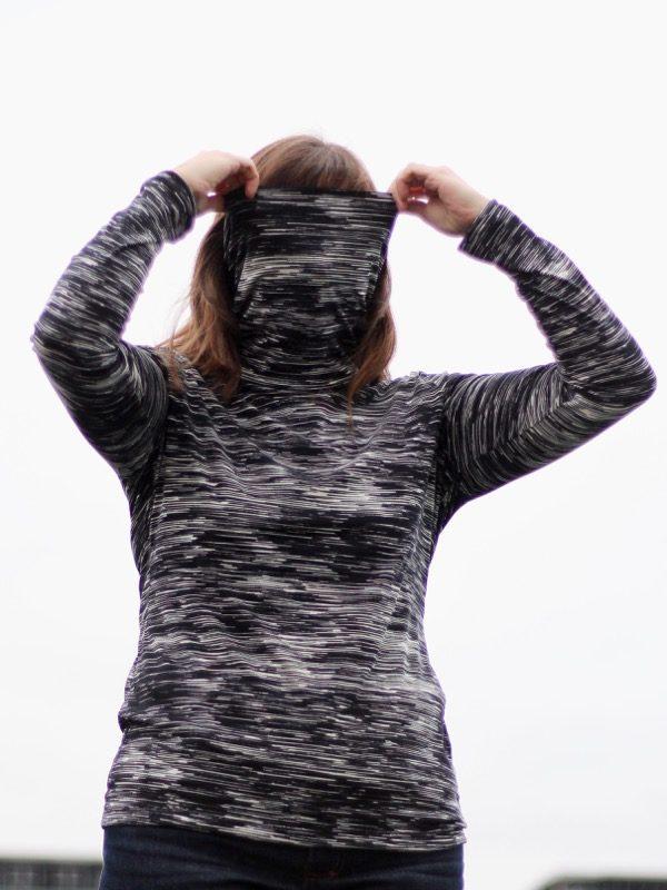 Monochrome turtleneck - neck up